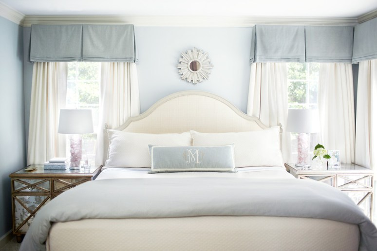 blue-traditional-bedroom