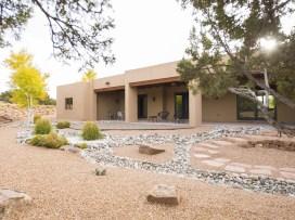 Современный дом в стиле Pueblo Revival в Санта-Фе. Источник www.taibixbyassociates.com