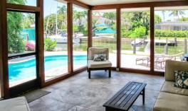 Дом в стиле Mid-century Vernacular. Расположен в городе Naples, штат Флорида. Источник collector.designrulz.com