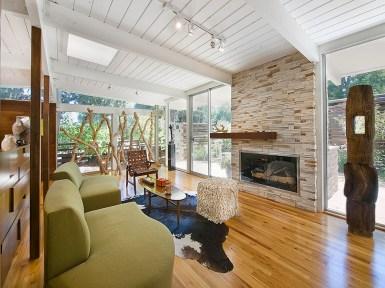 Дом в стиле Rancho (ранчо). Интерьер оформлен в стиле ретро (mid-century modern). Источник http://www.denverphoto.com/