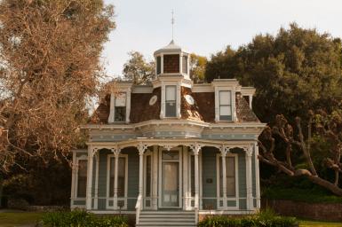Дом в стиле Second Empire в Лос-Анджелесе. Источник http://littleredchair.blogspot.ru/