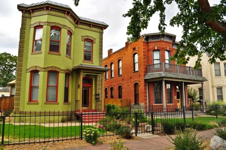 Два дома в стиле Italianate, каждый на одну семью. Находятся в Денвере и построены из кирпича. Источник denverurbanism.com