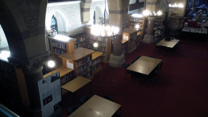Library of the Oxford Centre for Mission Studies,taken from the upper gallery