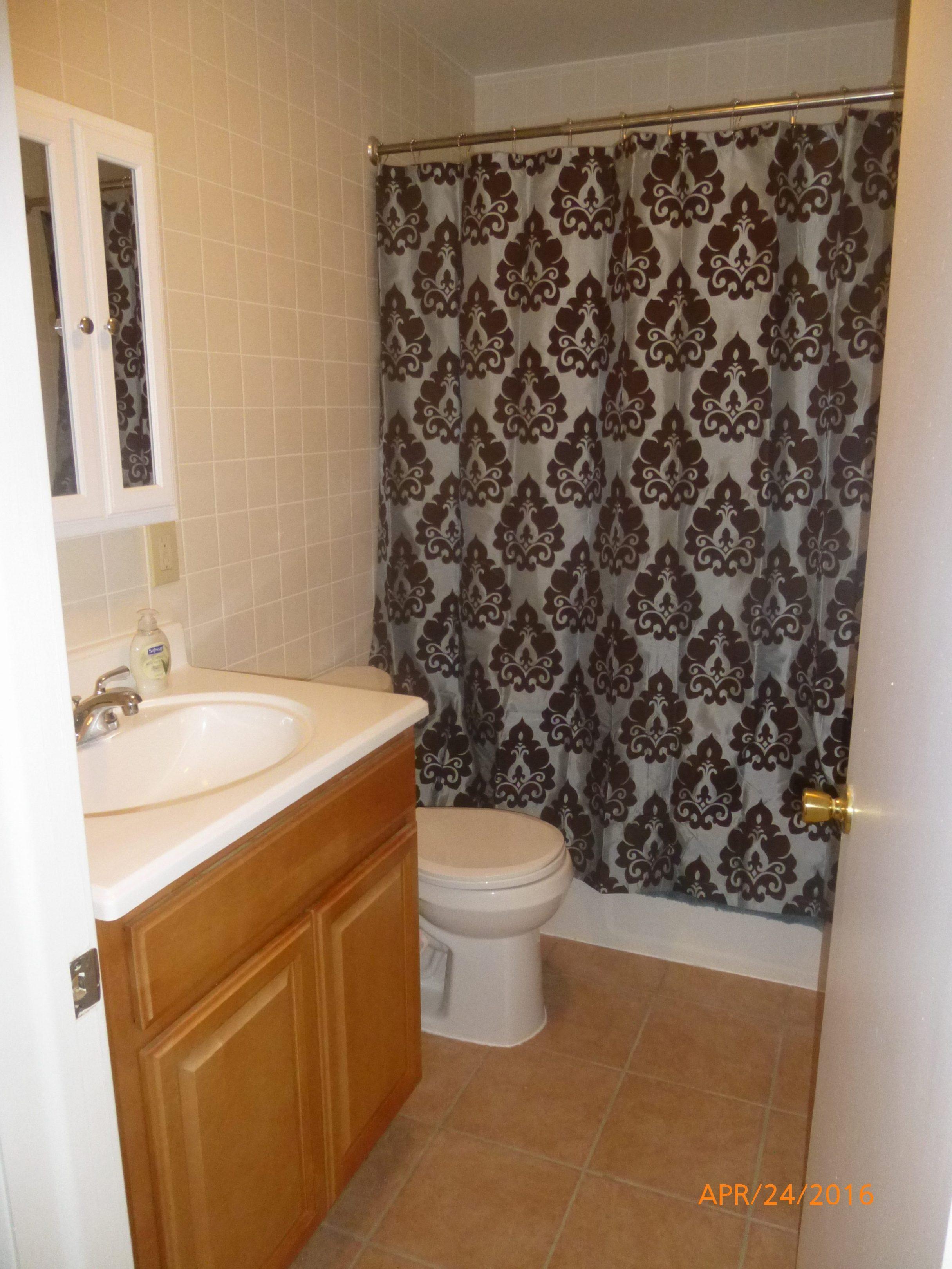 MRF Unit 10 Bathroom