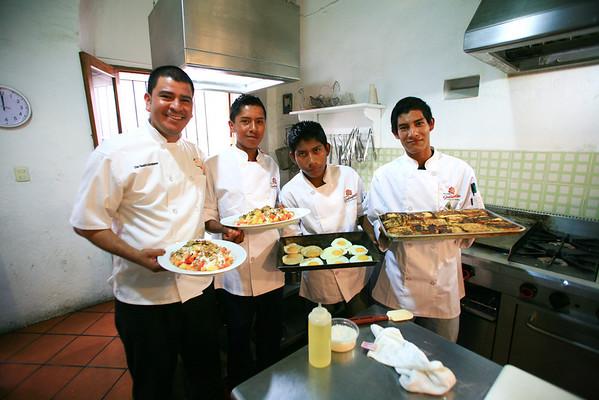 Rodolfo Castellanos, Origen, Oaxaca, Dave Miller's Mexico, Guelaguetza