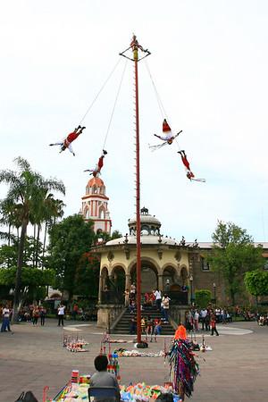 Tlaquepaque, Veladores de Papantla, Dave Millers Mexico