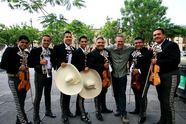 Mariachi Alma Tapatia, Dave Miller, Dave Millers Mexico, Guadalajara, Plaza Tapatia