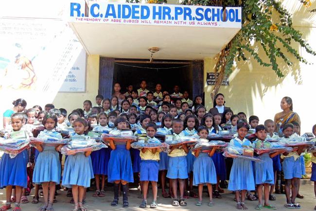 Rentrée des enfants parrainés à Ganjam