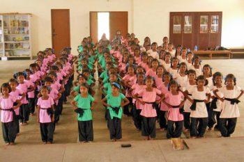 Cours de danse - école de Ganjam