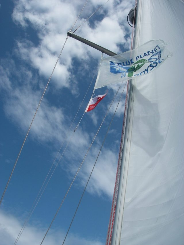 66-joyfuls-blue-planet-odyssey-flag-arrives-in-australia-half-way-around-the-world-with-this-fabulous-rally