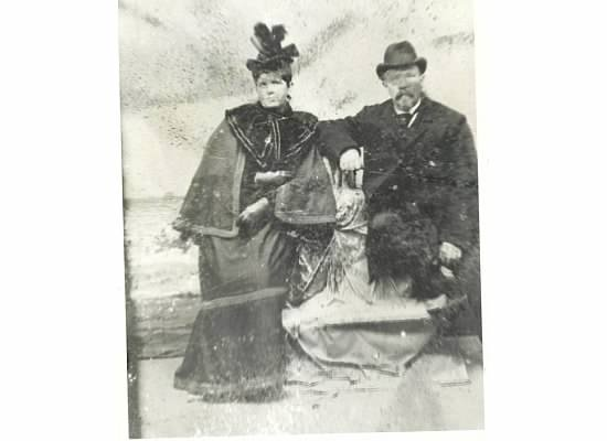 James and Margaret Creely, great-great-grandparents of Elizabeth Creely, in San Francisco near the 1880s. Photo courtesy of Elizabeth Creely.