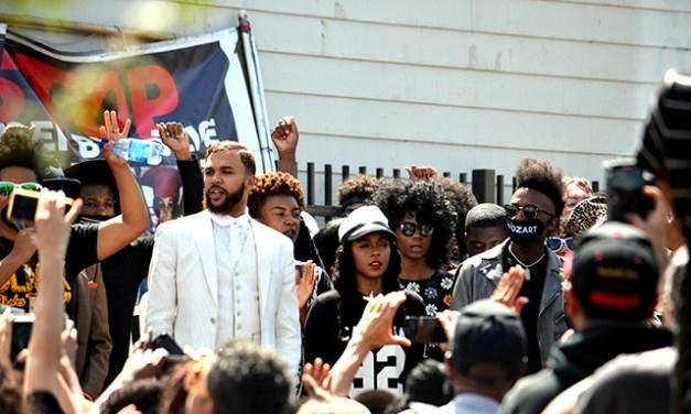 Singer Janelle Monáe Leads Mission March Against Police Violence