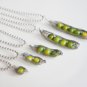 peas in a pod neacklace