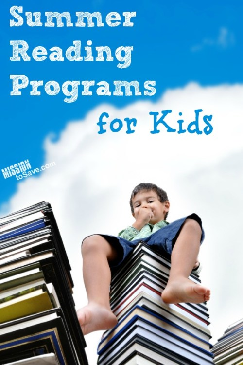 Kid sitting on books text summer reading programs for kids