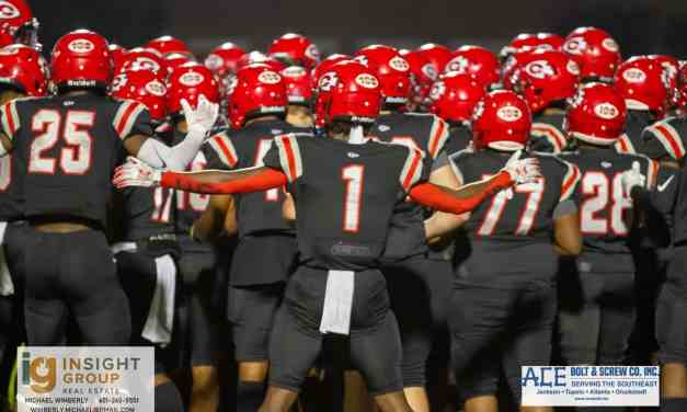 Clinton wins big over Horn Lake 35-7 in the first round of the playoffs – Photo Gallery