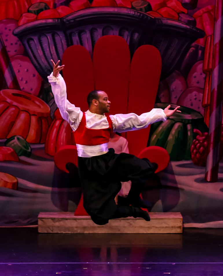 "Dexter Bishop returns to Mississippi Metropolitan Ballet, his dance alma mater, yearly to perform in ""The Nutcracker."""