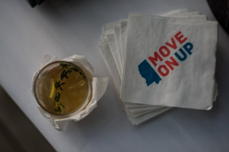 Move on Up Mississippi drink and napkins