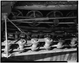 Close-up of swing bridge drive train (Library of Congress)