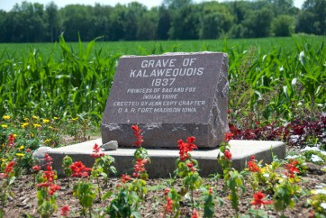 Grave marker for Ka-La-We-Quois