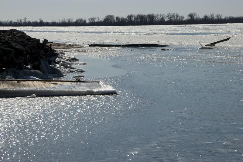 tn_Oquawka IL ice07 2012 Feb
