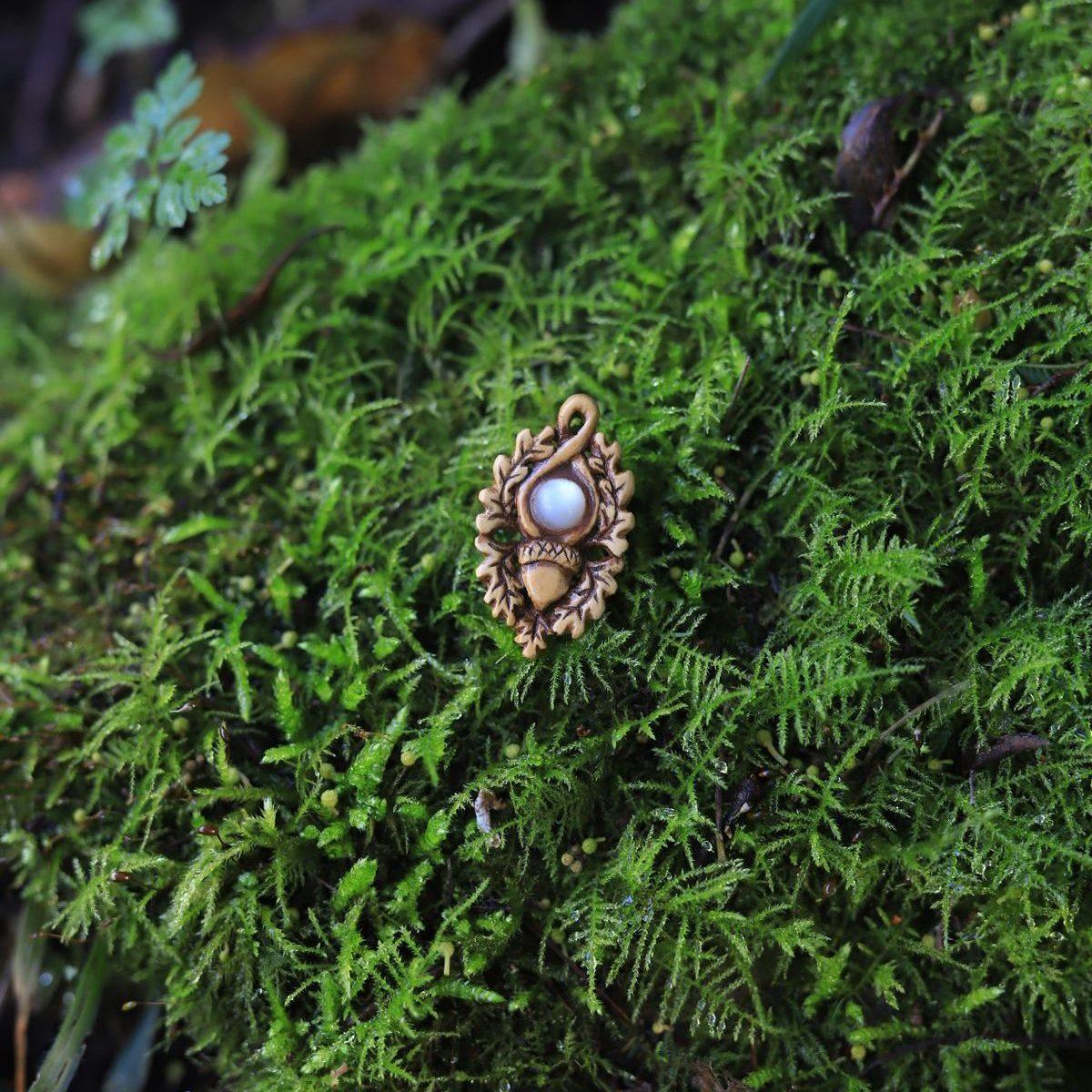 Collier, bois, sculpture, artisanat, français, écologique, chêne, gland, nacre naturelle