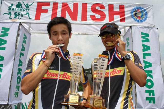 me and Ong Wei Xiang, with our medals and trophy AND cool Powerbar jersey