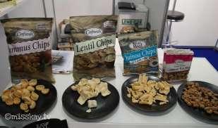 Hummus, Lentil und Quinoa Chips von der Firma CoFresh. SEHR GUT!