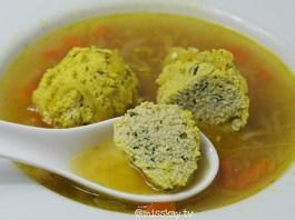 Gelbe Klößchensuppe für Pessach (Paleo)