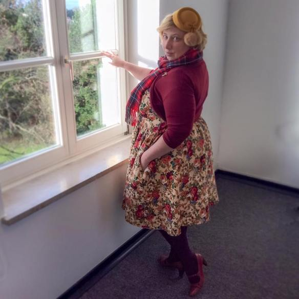 Miss Kittenheel vintage plus size style Thanksgiving