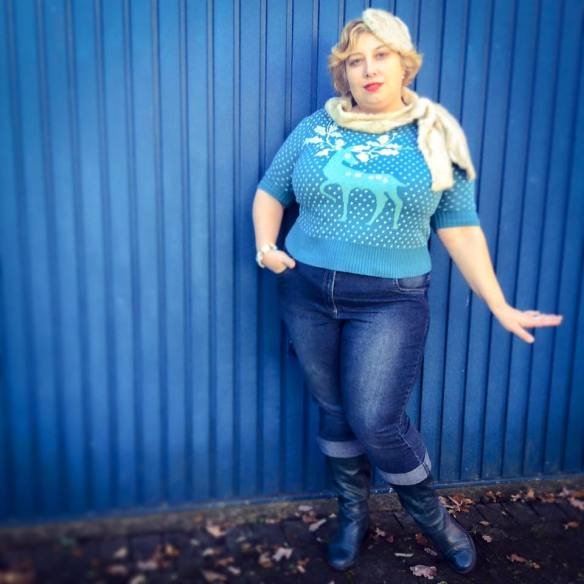 Miss Kittenheel vintage plussize style collectiv christmas sweater jeans