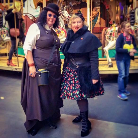 misskittenheel-vintage-curvy-plussize-steampunk-jahrhunderthalle-03