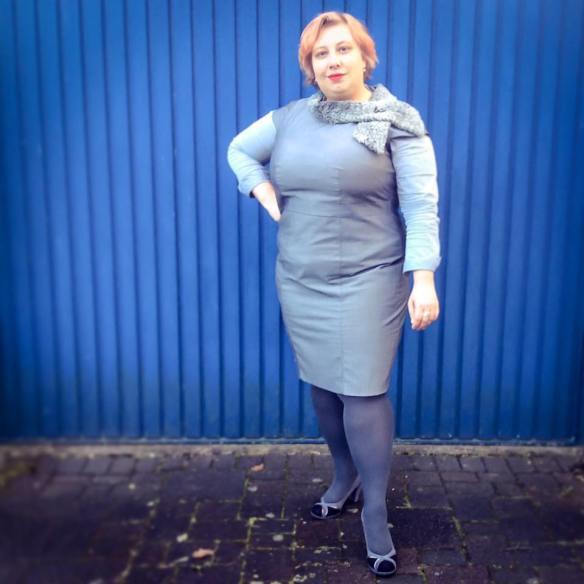 MissKittenheel vintage plussize business rathaus politics grey 01