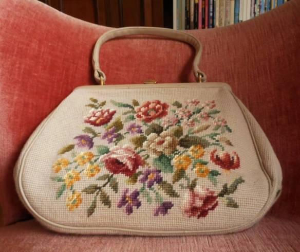 misskittenheel-vintage-curvy-plussize-easter-parade-tapestry handbag gobelin 06
