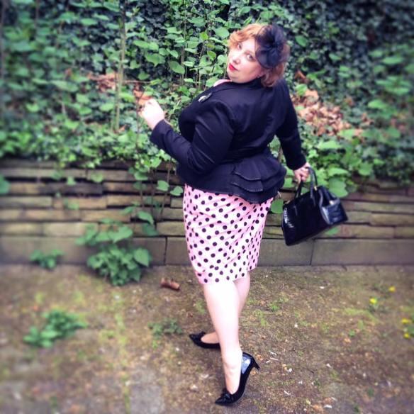 misskittenheel vintage curvy plussize pink polkadots 04