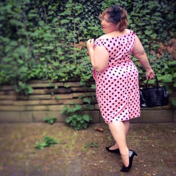 misskittenheel vintage curvy plussize pink polkadots 06