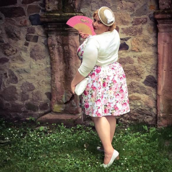 misskittenheel wedding guest roses lindybop audrey pink fan dieburg castle 01