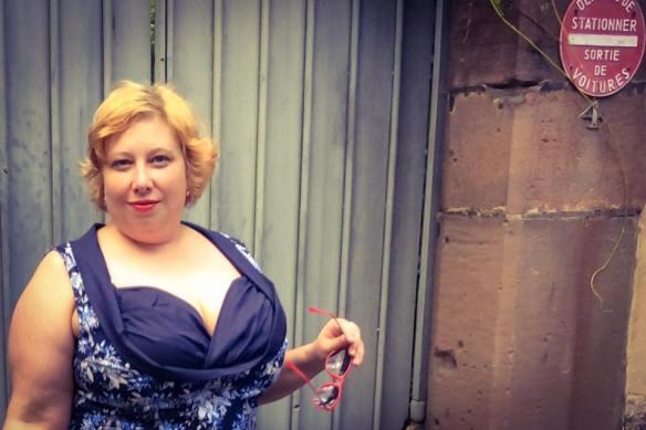 MissKittenheel Eiffeltower Dress LindyBop Vanessa Navy Selestat 02