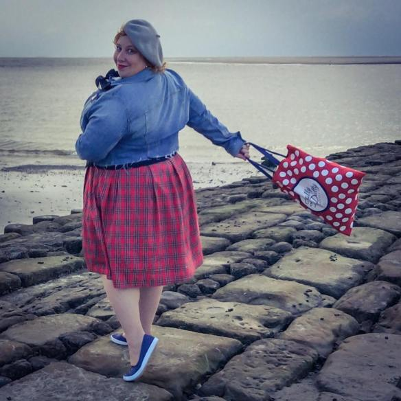 misskittenheel-vintage-plussize-dolly-dotty-tartan-anna-stewart-navy-marine-autumn-04