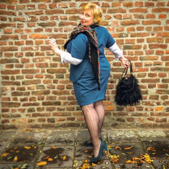 misskittenheel-vintage-plussize-navabi-peplum-teal-dress-plussizefashiondays-hamburg-05
