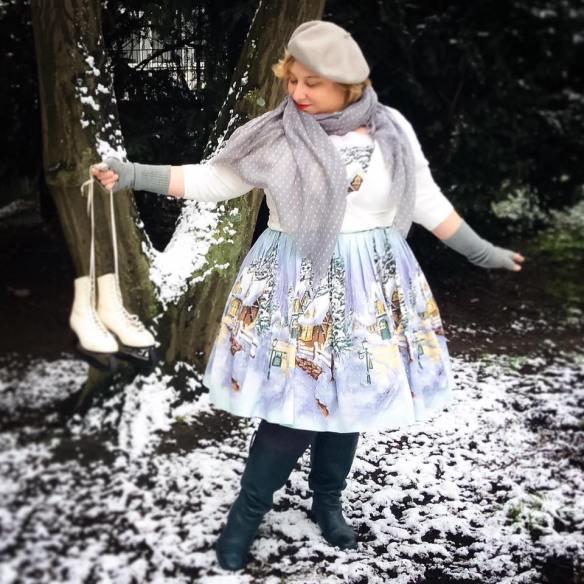misskittenheel-vintage-plussize-pinup-berniedexter-winterwonderland-dress-snow-christmas-noveltyprint-08