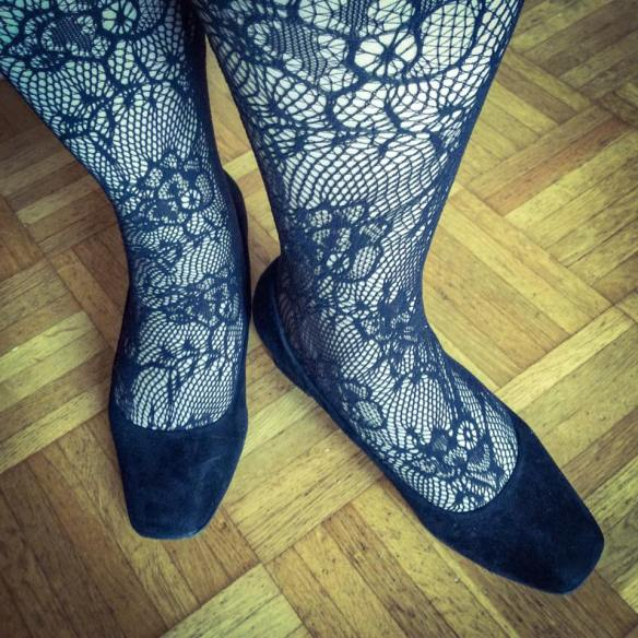 misskittenheel-vintage-plussize-pinup-frenchcurves-carreaux-check-dollyanddotty-lace-tights-01