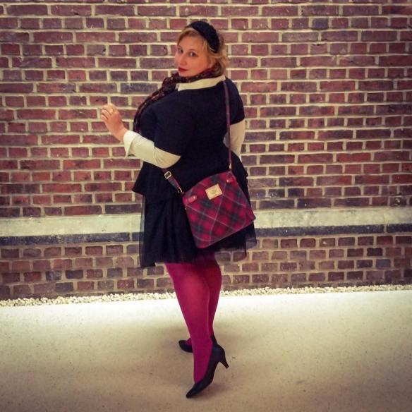 misskittenheel-vintage-plussize-tulle-skirt-ballerina-black-swan-peplumtop-pink-03