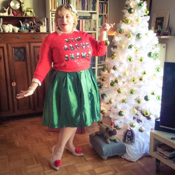 misskittenheel-vintage-plussize-curvy-christmas-ugly-sweater-lindybop-2016-05