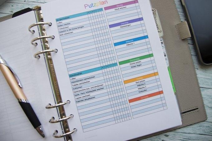 Putzplan mit Tagesroutinen und Wochenaufgaben