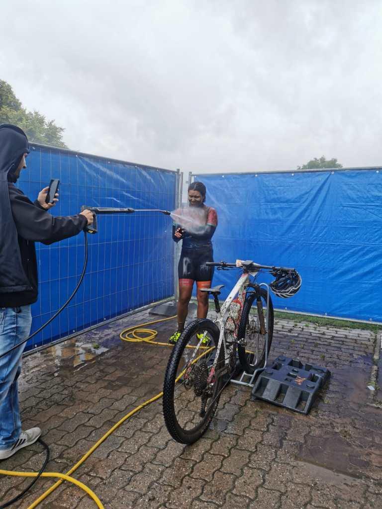 Dampfstrahler putzen nach der Radtour