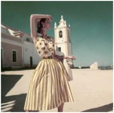 dovima-photographed-by-henry-clarke-vogue-june-1952