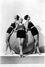 models-wearing-swimsuits-by-jean-dahetze-left-and-center-and-jane-regny-right-photographer-baron-george-hoyningen-huene-april-1930