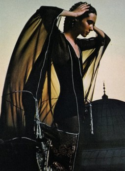 Moyra Swan, Turkey chameleon clothes, Vogue UK November 1971