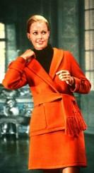 orange-wool-suit-by-jean-patou-jours-de-france-august-1968