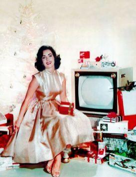 elizabeth-taylor-celebrating-christmas